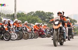 Chạy xe mô tô phân khối lớn: Cần quan tâm đến văn hóa giao thông