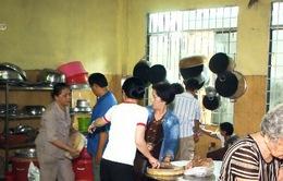 Việc tử tế: Người bếp trưởng của những bữa ăn tình thương