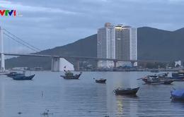 Ngày mới của người dân vạn chài bên dòng sông Hàn