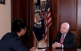 Thượng nghị sĩ John McCain: Từ cựu thù thành bạn tốt