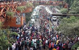 Bangladesh: Biểu tình vì xe bus đâm chết 2 sinh viên