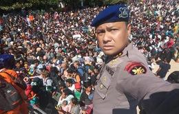 Khách du lịch nước ngoài ồ ạt rời khỏi Lombok (Indonesia) sau động đất
