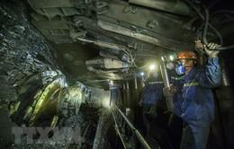Quảng Ninh: Tụt đổ lò than làm 2 công nhân thương vong