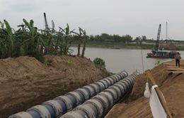 Cấm luồng sông Đuống thi công ống ngầm
