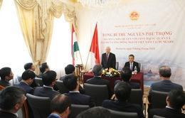 Tổng Bí thư thăm Đại sứ quán Việt Nam tại Hungary