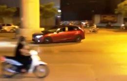 Tài xế lái Mazda 3 đánh võng giữa phố Hà Nội bị phạt 14 triệu đồng