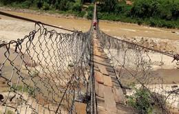Gia Lai: Phê bình 4 chủ tịch huyện vì chưa bố trí vốn sửa cầu treo dân sinh