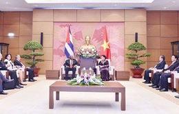 Việt Nam sẵn sàng chia sẻ kinh nghiệm phát triển đất nước với Cuba