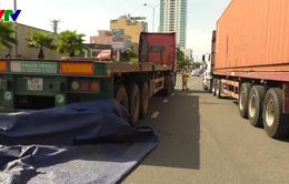 Đà Nẵng: Lại va chạm giữa xe máy và container, một người tử vong
