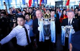 Chiếc cúp Ngoại hạng Anh ra mắt khán giả Việt Nam
