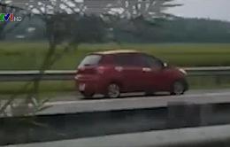 Lái xe ngược chiều trên cao tốc, nữ tài xế bị phạt 7 triệu đồng