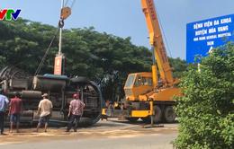 Lật xe container tại Đà Nẵng, ách tắc giao thông cửa ngõ phía Nam TP. Đà Nẵng