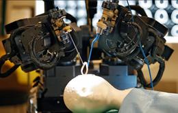 Hà Lan chế tạo robot phẫu thuật khoan hộp sọ