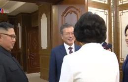 Thượng đỉnh liên Triều: Tổng thống Hàn Quốc và nhà lãnh đạo Triều Tiên tiến hành cuộc hội đàm đầu tiên