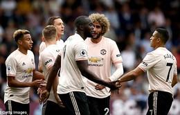 Dính thẻ đỏ, Man Utd vẫn tìm lại niềm vui chiến thắng nhờ Lukaku