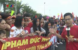 Hàng vạn người dân Thủ đô nô nức chào đón Đoàn Thể thao Việt Nam và ĐT Olympic Việt Nam