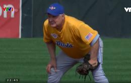 Cụ ông 72 tuổi vẫn chơi bóng chày