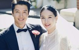 Vợ chồng Lee Dong Gun tiết lộ hình ảnh đầu tiên của con gái