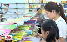 Thủ tướng yêu cầu quy định rõ việc dùng sách giáo khoa vào trong luật