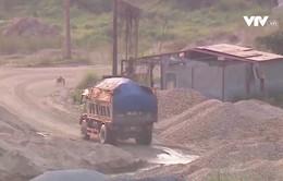 Cần xử lý bến bãi trái phép để hạn chế xe quá tải