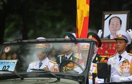 Chùm ảnh: Xe tang đưa linh cữu Chủ tịch nước Trần Đại Quang về quê hương