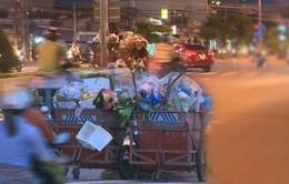 Nha Trang: Giao lộ biến thành bãi tập kết rác thải