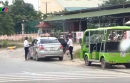 Vấn nạn taxi dù ở sân bay Nội Bài