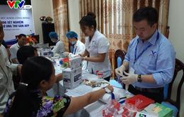 Trao 1.000 xét nghiệm gan miễn phí cho người dân ở Nghệ An