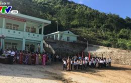 Lễ khai giảng đặc biệt tại vùng lũ Mường Lát, Thanh Hóa