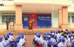 Học sinh cả nước hứng khởi bước vào năm học mới