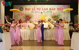 Người Việt tại Czech coi trọng chữ hiếu với đấng sinh thành