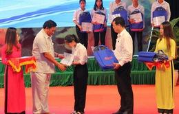Bình Định: Trao 118 suất học bổng đến tân sinh viên nghèo vượt khó