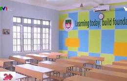 """Học sinh """"ngóng"""" thông tin về chương trình liên kết giáo dục"""