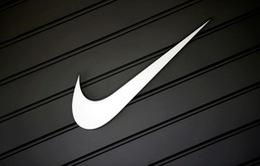 Nhiều người đốt giày, quần áo phản đối chiến dịch quảng cáo mới của Nike