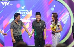Bé Bôm hạnh phúc nhận giải tại VTV Awards 2018