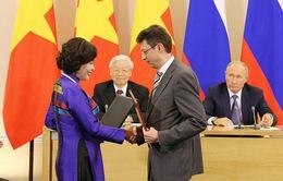 Việt Nam - Liên bang Nga ký kết nhiều văn kiện hợp tác