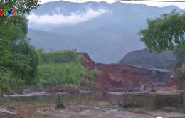 Vỡ đập chứa bã thải ở Lào Cai, nhiều hộ dân bị sập nhà