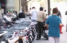 Các chủ bãi giữ xe chờ đợi giải pháp từ chính quyền