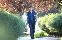 Jeff Bezos: Giàu nhất hành tinh song vẫn rửa bát giúp vợ mỗi tối