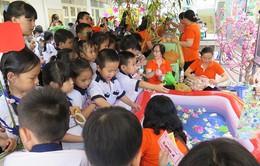 TP.HCM: Cấm trường học chúc Tết, tặng quà lãnh đạo