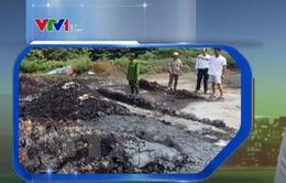 Phát hiện vụ đổ trộm chất thải ra môi trường tại TP.HCM