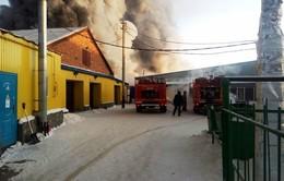 Hỏa hoạn nghiêm trọng ở một xưởng giày tại Nga