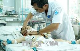 Liên tiếp hai trẻ bị chó nhà cắn trọng thương phải nhập viện