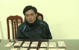Lạng Sơn: Bắt thanh niên vận chuyển gần 100 triệu đồng tiền giả