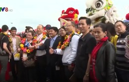 Các tỉnh miền Trung tấp nập đón các du khách đầu tiên của năm mới