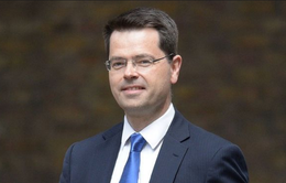 Anh: Bộ trưởng phụ trách Bắc Ireland đột ngột từ chức