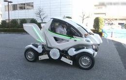 Ô tô điện có thể gập lại như robot