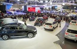 Nhập khẩu ô tô tăng mạnh tháng cuối năm 2017