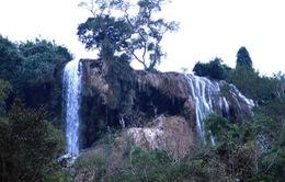 Thác nước cao 120m đẹp đến mê hồn ở xứ Nghệ
