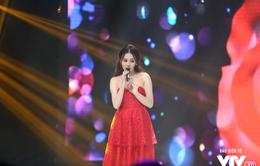 Phương Oanh khoe giọng hát thật hay hơn cả Mai trong Ngược chiều nước mắt